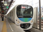 38101Fの2421急行拝島ゆき、西武新宿にて